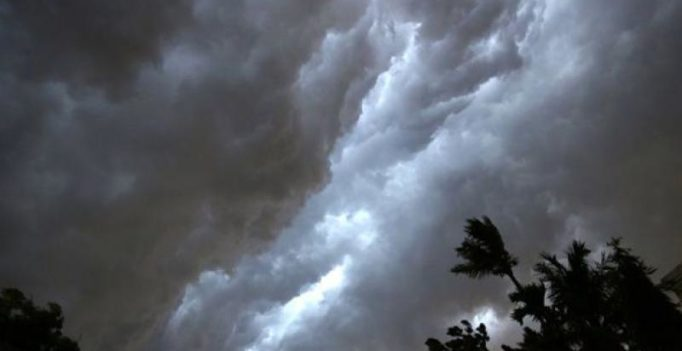 IMD puts out heavy rain alert in AP and Telangana