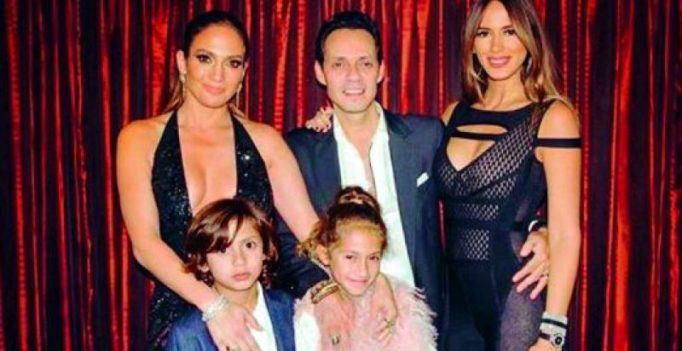Jennifer Lopez performs with ex Marc Anthony