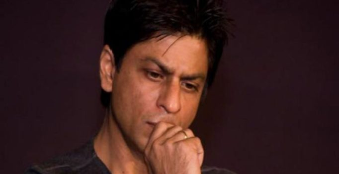 Twitterati outraged over SRK being Jio's brand ambassador, trend #RemoveSRKFromJio