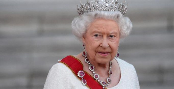 Queen Elizabeth to invite Donald Trump to Britain for state visit: report