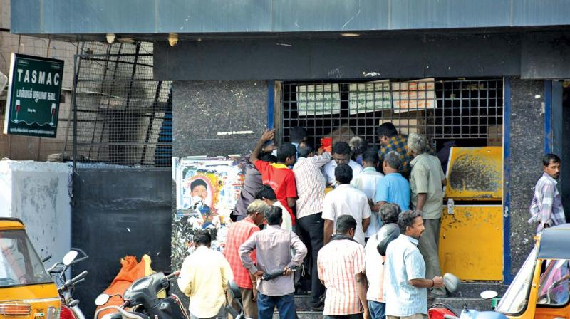 Chennai: Beer bottle fight inside Tasmac shop – Kreation ...