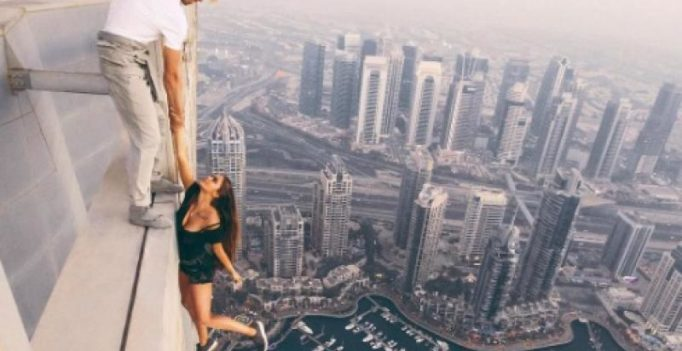 Video: Russian model's spine-chilling photo-shoot atop Dubai skyscraper