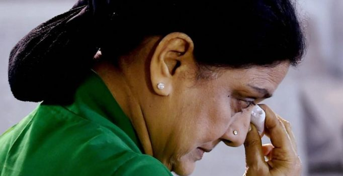 'Won't change judgement': SC refuses more time to Sasikala to surrender
