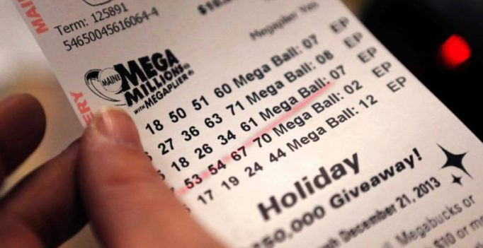 New York couple wins USD 10 million on lottery scratch-off ticket
