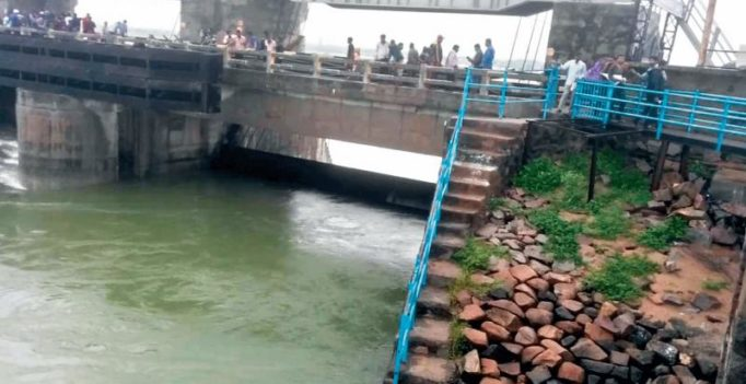 Telangana govt directs authorities to save Singur Dam water for drinking