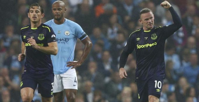200-goal up Wayne Rooney takes a jibe at Manchester City fans on Twitter