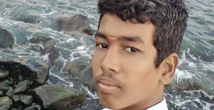 Chennai: Teen's selfie stunt on train leads to death