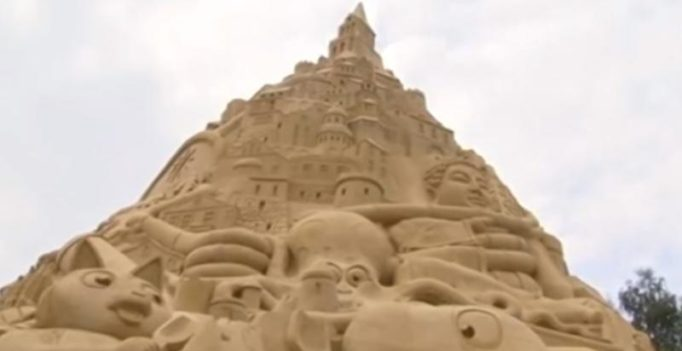German sculptors claim world record by building tallest sand castle