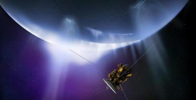 NASA's Cassini readies final plunge into Saturn