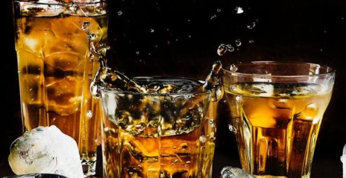 How alcohol affects your skin