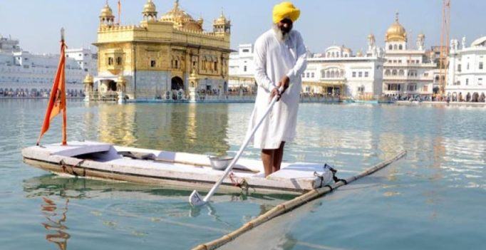 Top UK diplomat calls Golden Temple a mosque, apologises amid protests