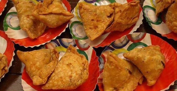 Bengaluru: Delayed samosas! 2 attacked