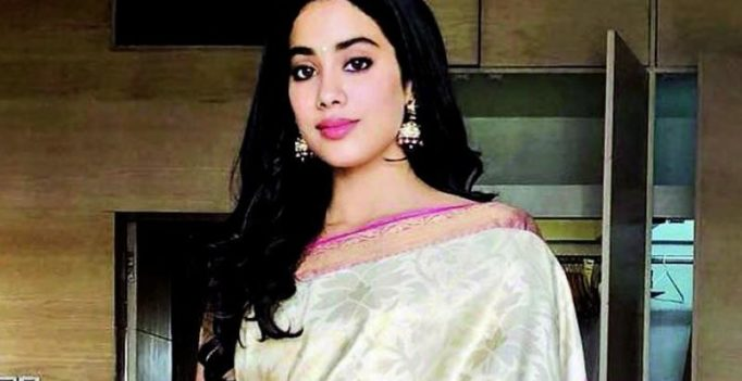 Janhvi Kapoor looks beautiful as she dons Sridevi's sari for National Awards