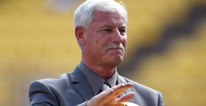 New Zealand cricket legend Richard Hadlee has cancer surgery