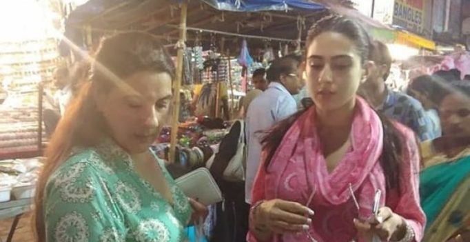 Amid Simmba shoot, Sara goes street shopping with Amrita at Hyderabad's Laad Bazaar