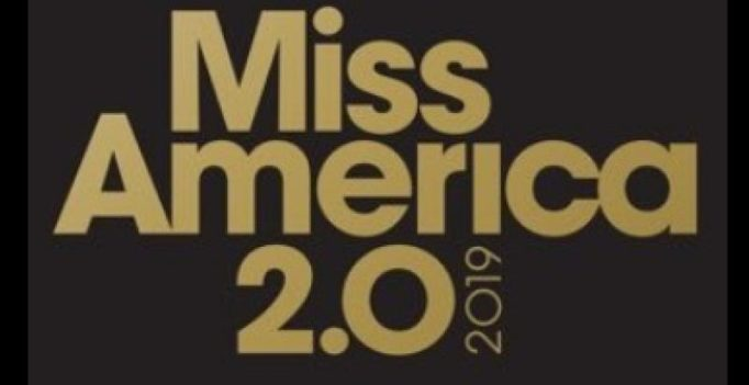 Miss America pageant says #byebyebikini, Twitter reacts