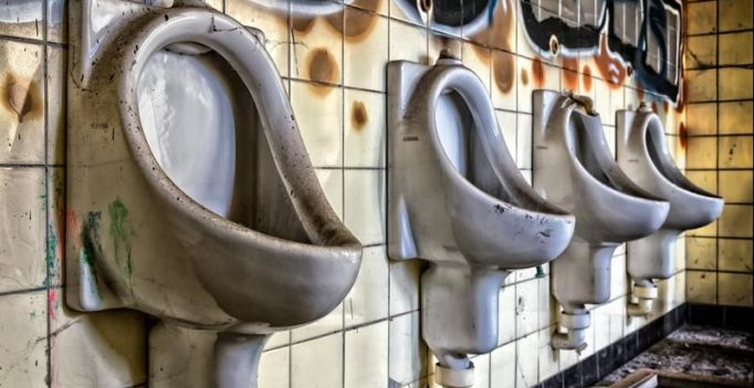 Here's why your pee might foam, and it could be serious