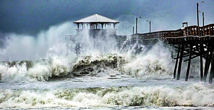 Florence makes landfall in US