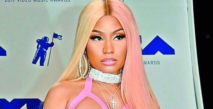 Nicki Minaj hands out 500 turkeys