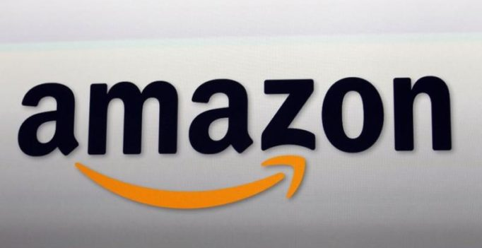 Amazon strikes deal with Apple to sell iPhones, iPads